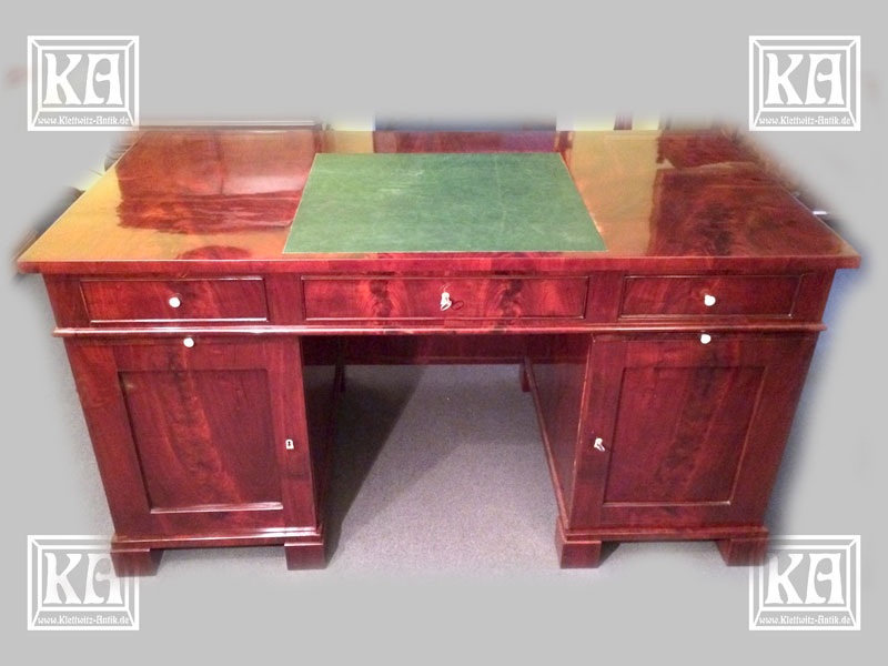 Biedermeier-Schreibtisch